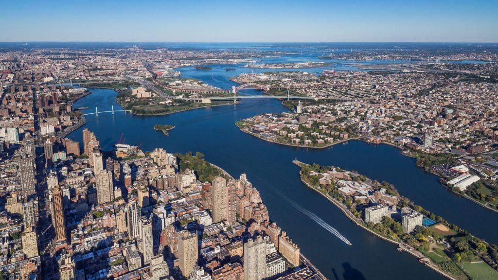 Queens Paling Besar Yang Terletak Di Barat Long Island